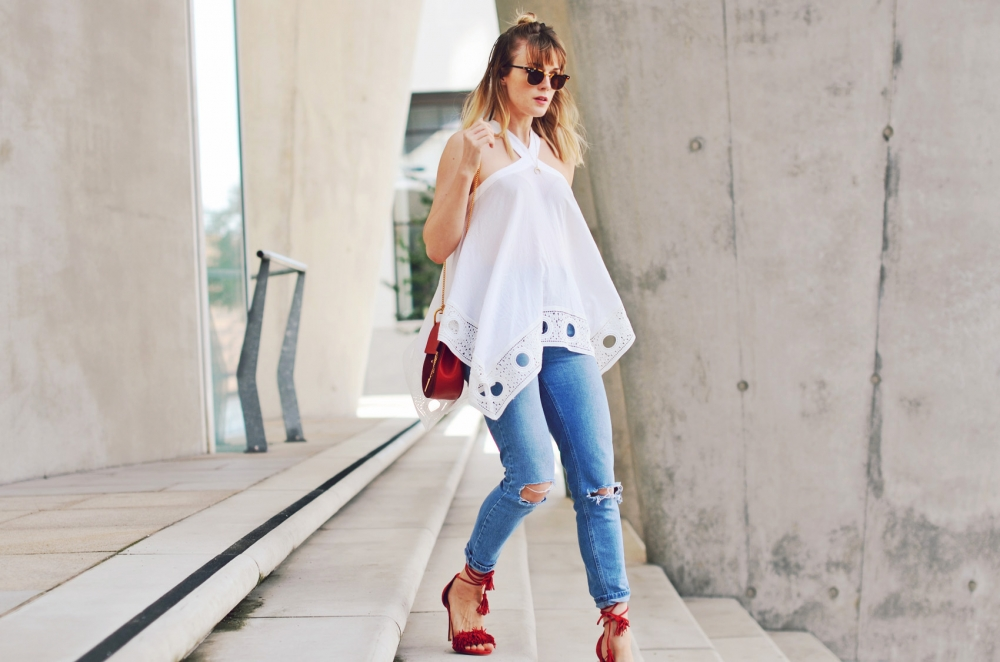 jeans, sandaletten, highwaist jeans, asos, drew, tasche, rot, sonnenbrille, ray ban, edited
