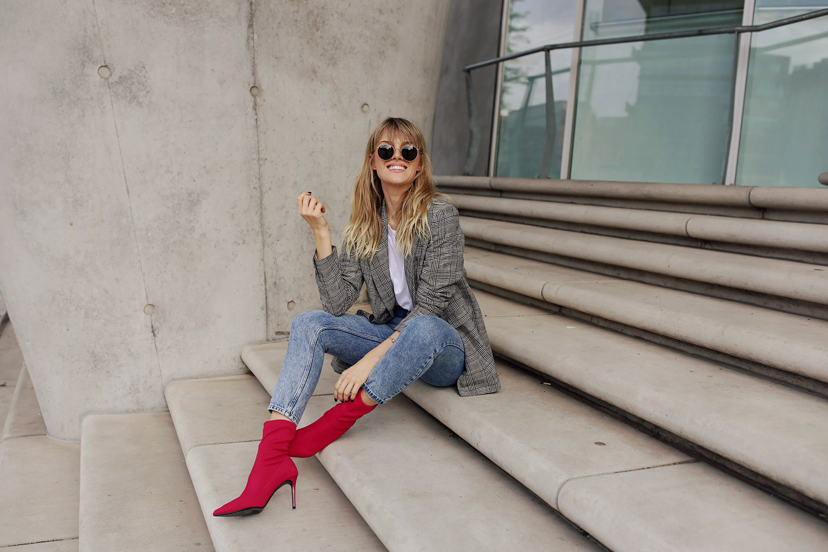 denim, t shirt, blazer, high heels, pink, rosa, jeans, hose, kette