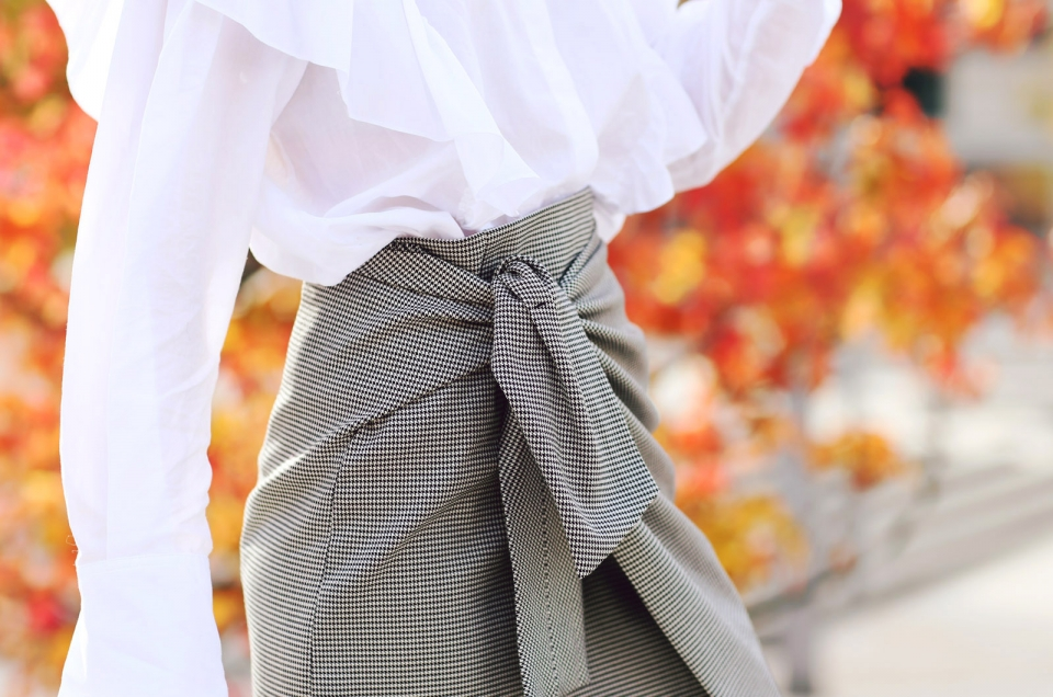 wrapped skirt, white blouse, ruffels