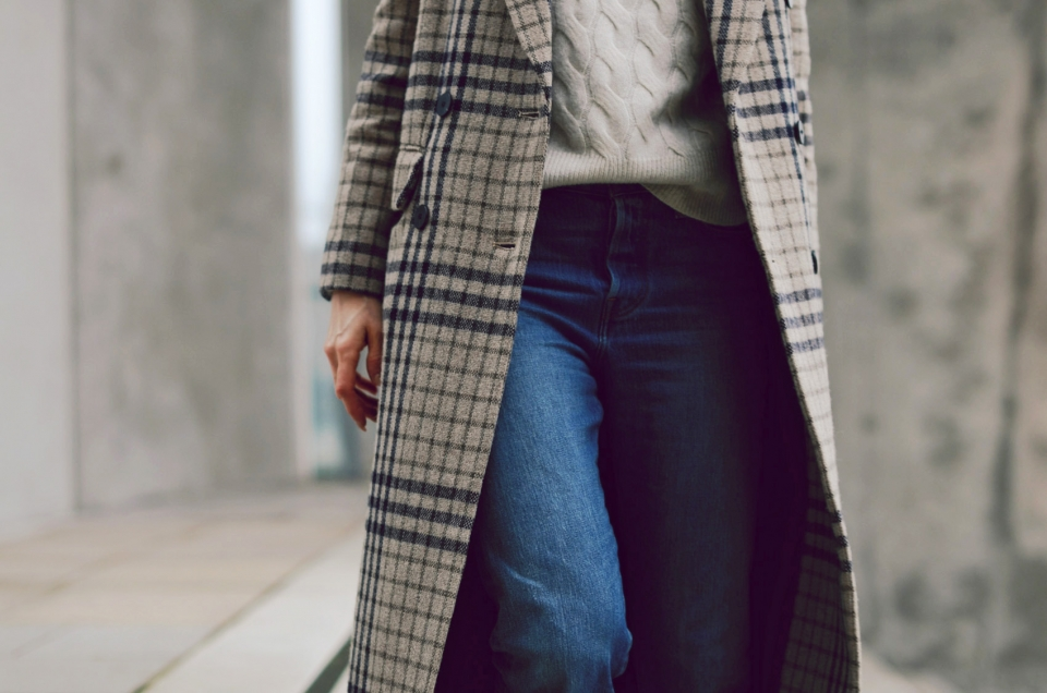 blue jeans, winter coat, glencheck, white pullover