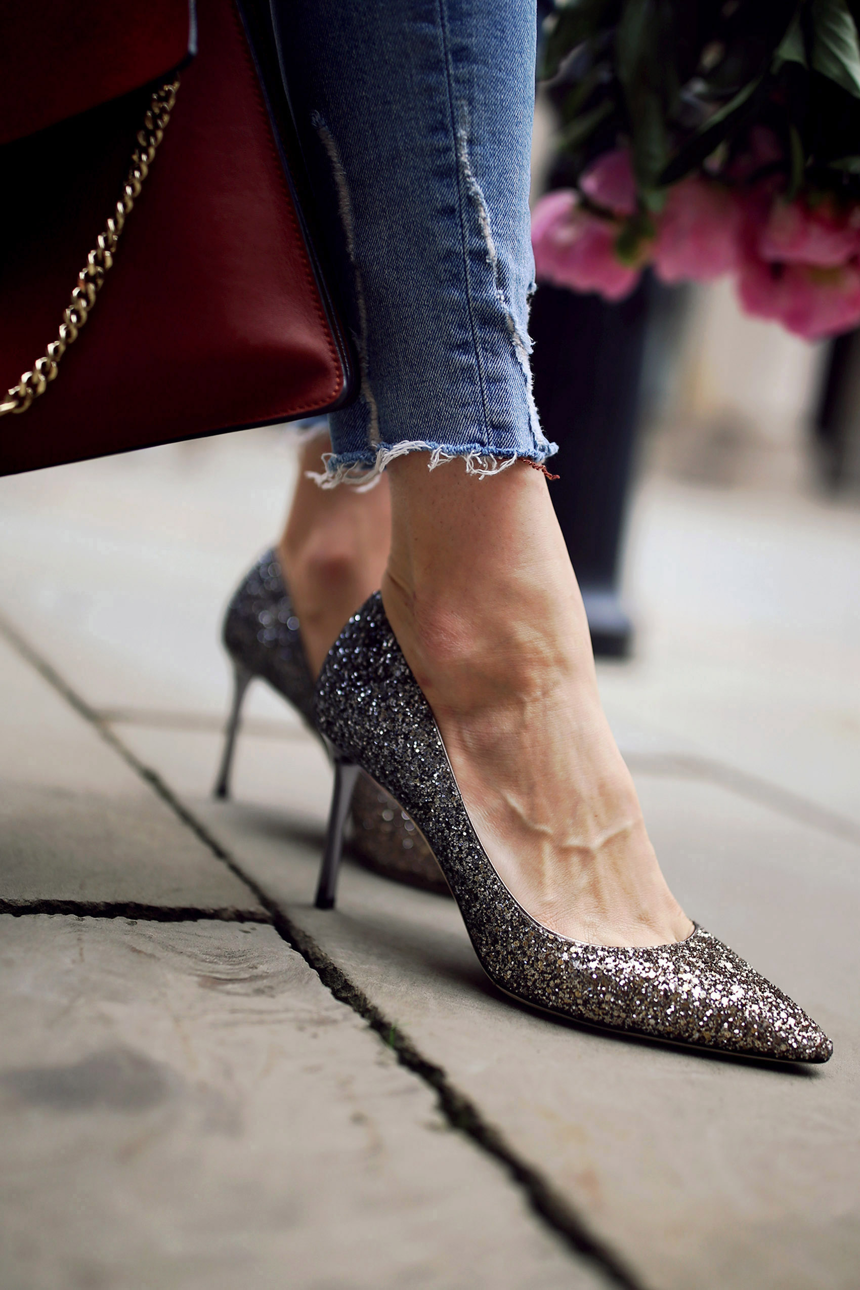 jimmy choo, mytheresa, downgraden, styling, jeans, denim, tunika, faye, heels, high heels, glitter, pumps