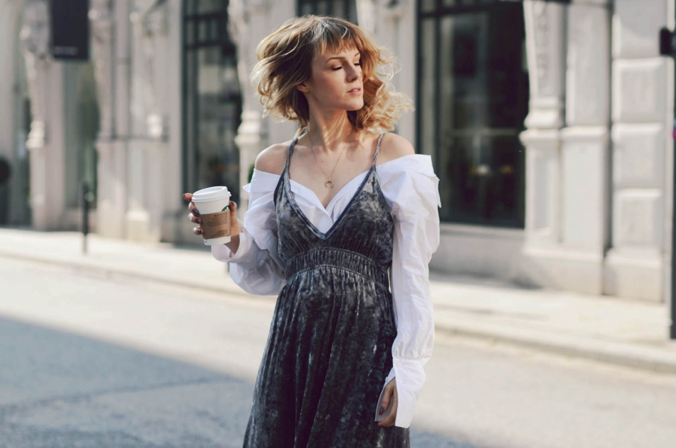 boho dress, grey velvet, white blouse, wide sleeves, coffee to go