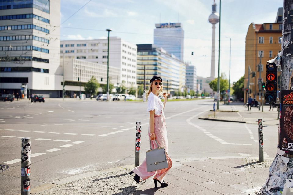Fashion Week Outfit | So gelingt der rosa Business-Style