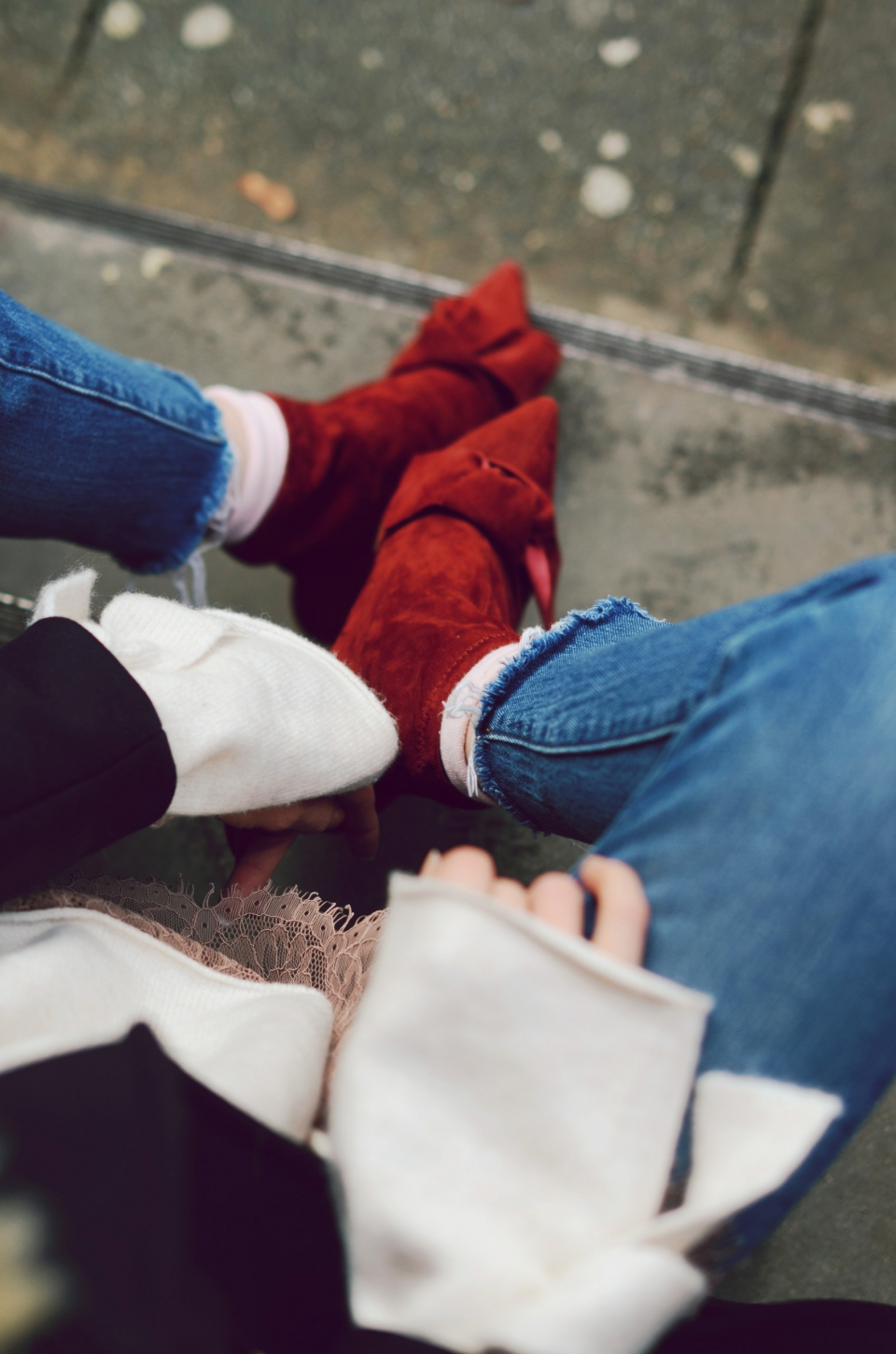 dark red suede boots, jeans, white pullover