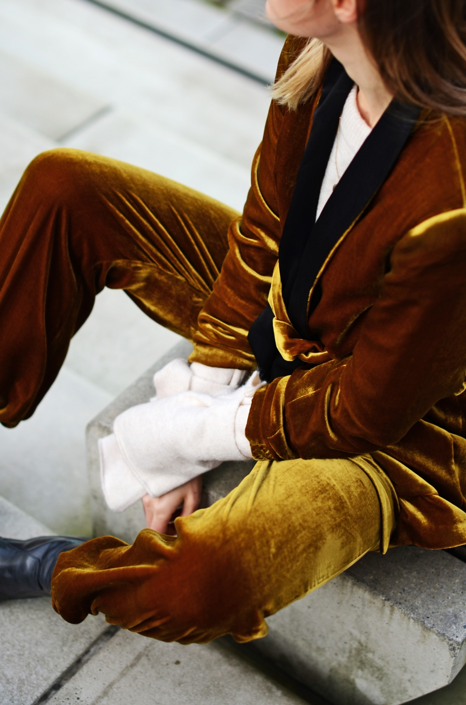 top shot, velvet suit, golden color, white shirt, long sleeves