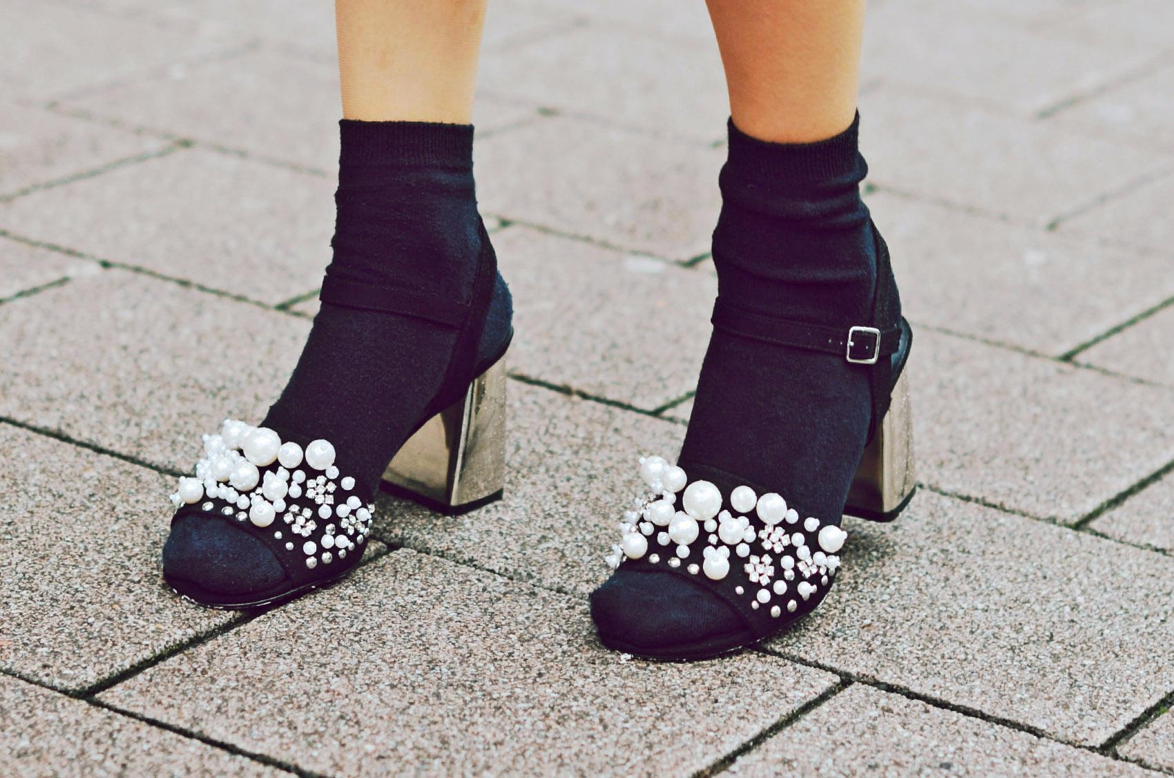 sandaletten mit perlen 1 vicky wanka fashionblog. Black Bedroom Furniture Sets. Home Design Ideas