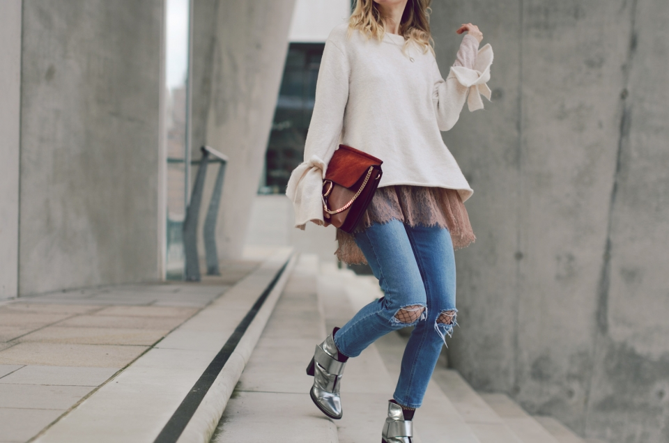chloé, handbag, silver boots, knitted sweater