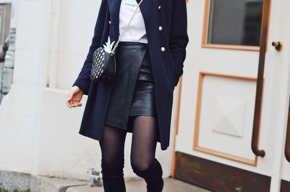 rock, lederrock, overknee, stiefel, boots, mantel, coat, hat, hut, handtasche, t shirt