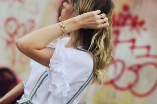 latzkleid, kleid, sommerkleid, t shirt, sandaletten, details, rüschen, chloe, faye, handtasche, dallas, style, slider, outfit