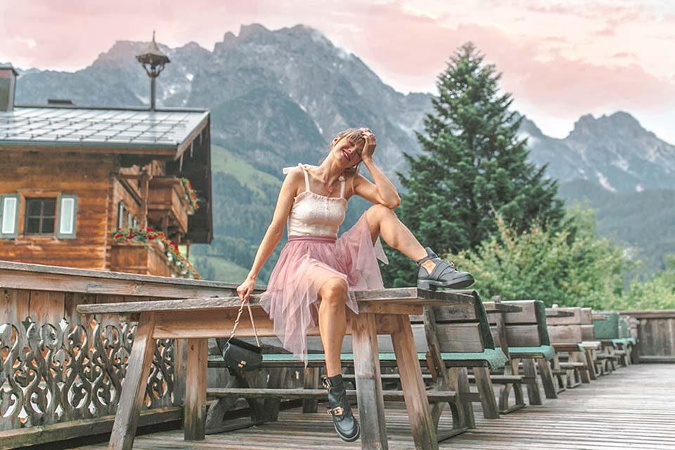 tüll, tüllrock, tulle, tulle skirt, boots, chloe, gürteltasche, beltbag, dutt, berge, reisen, leogang, alm, hütte
