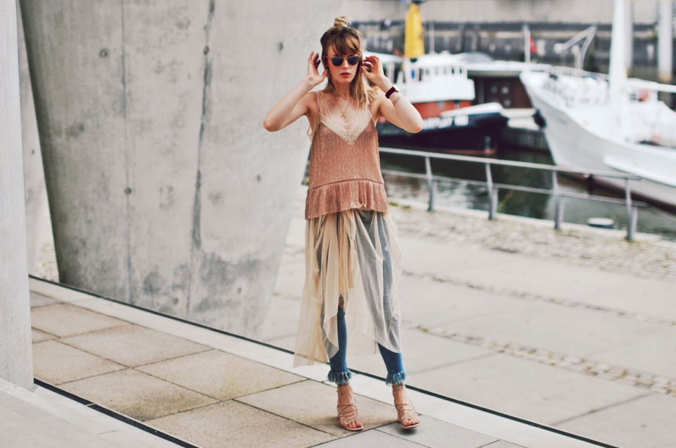 tulle-skirt-denim-look-a