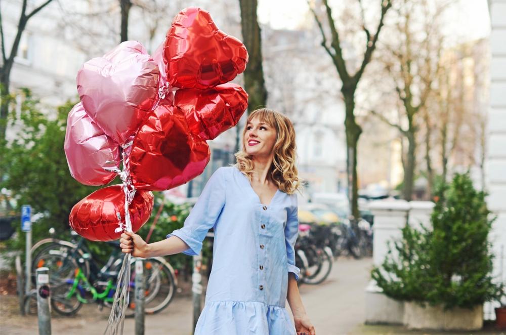 valentinstag, tunika, jeans, pumps, rüschen