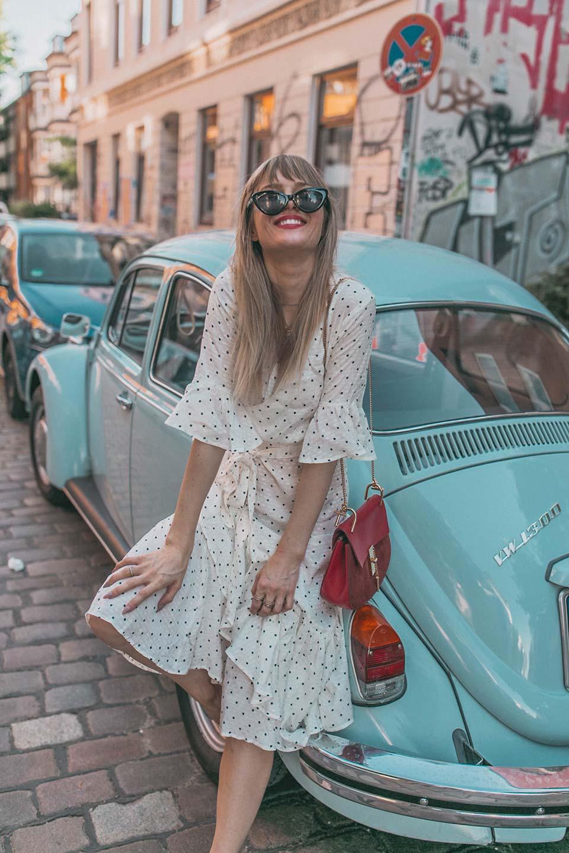kleid, sommer, stickereien, blumen, polka dots, chloe, sonnenbrille